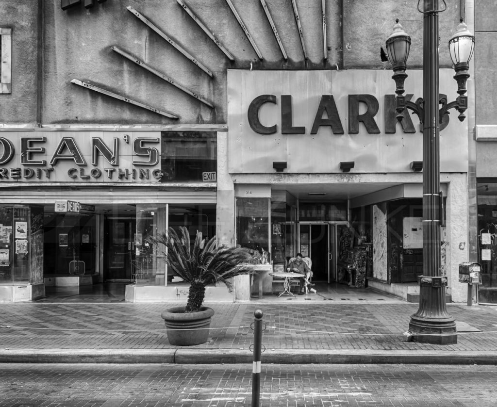 Deans and Clarks  130410_0071_7DZ2951_HDR.tif  Houston Commercial Architectural Photographer Dee Zunker