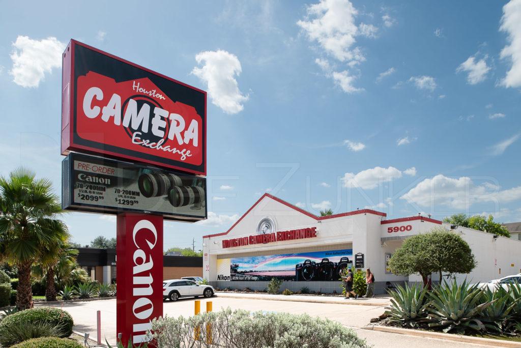 20180711-HoustonCameraExchange-001.psd  Houston Commercial Photographer Dee Zunker