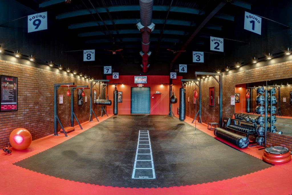 9Round-30-min-kickbox-fitness-004.tif  Houston Commercial Photographer Dee Zunker
