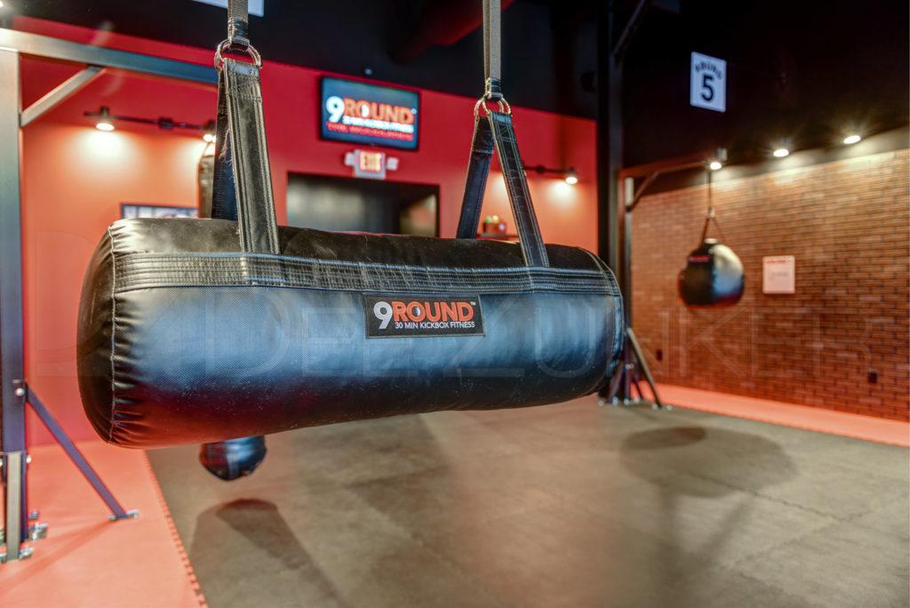 9Round-30-min-kickbox-fitness-006.jpg  Houston Commercial Photographer Dee Zunker