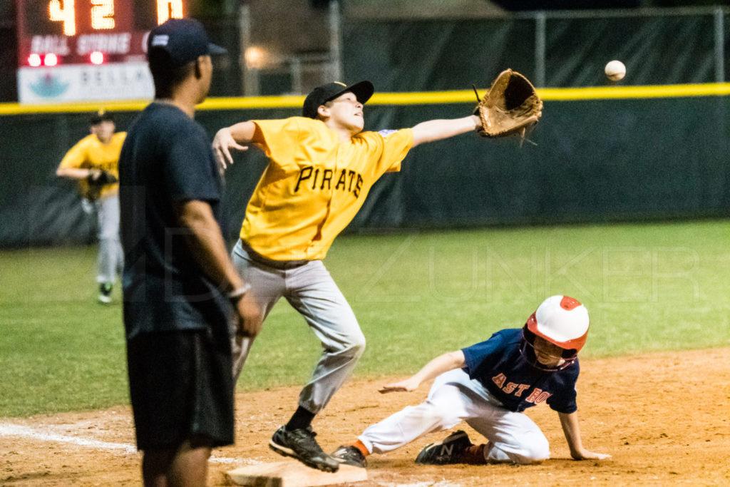 BellaireLL-20180406-Majors-Astros-Pirates-Tiras-063.DNG  Houston Sports Photographer Dee Zunker