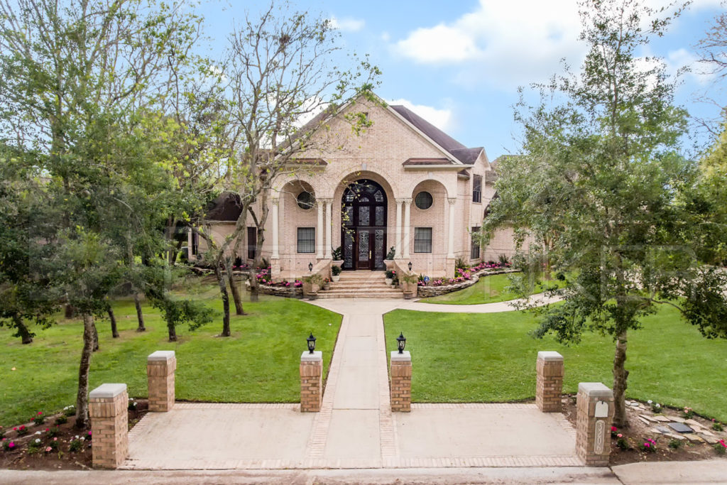 Real Estate Exterior Photography Tanglewood  Houston-Real-Estate-Photography.psd  Houston Commercial Architectural Photographer Dee Zunker