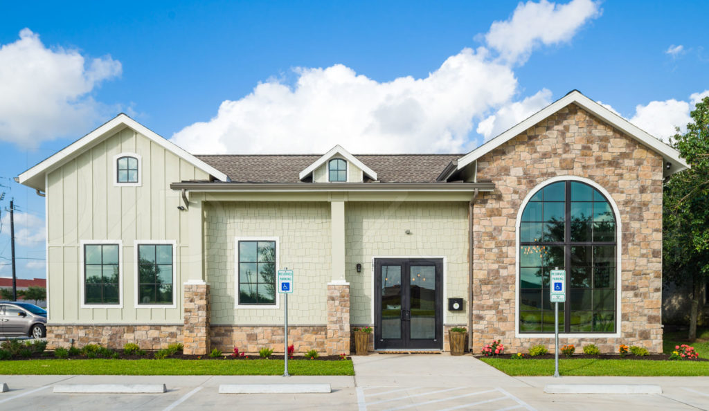 Front Exterior at Lake Jackson Orthodontics  LakeJacksonOthrodontics-Professional-Photography-002.NEF  Houston Commercial Photographer Dee Zunker