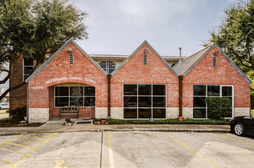 Meyerland Animal Clinic  POI_MeyerlandAnimal_0001.psd  Houston Commercial Architectural Photographer Dee Zunker