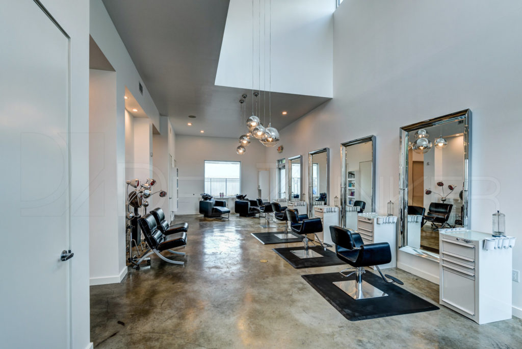 Upper-Hand-Salon-Houston-Hyde-Park-012.jpg  Houston Commercial Architectural Photographer Dee Zunker