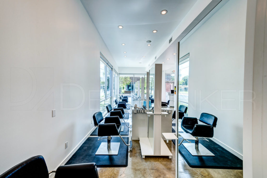 Upper-Hand-Salon-Houston-Hyde-Park-015.jpg  Houston Commercial Architectural Photographer Dee Zunker