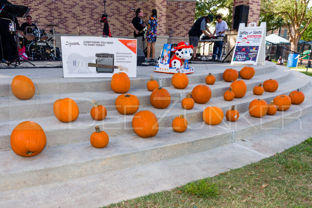 1799-CItyBellaire-PumpkinHunt-2019-007.NEF  Houston Commercial Architectural Photographer Dee Zunker