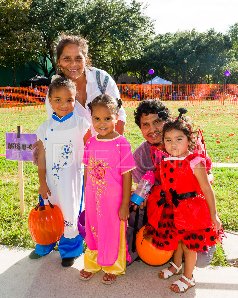 1799-CItyBellaire-PumpkinHunt-2019-015.NEF  Houston Commercial Architectural Photographer Dee Zunker