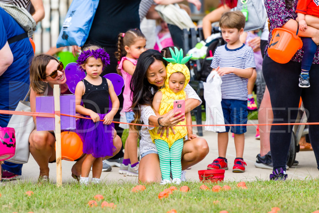 1799-CItyBellaire-PumpkinHunt-2019-028.NEF  Houston Commercial Architectural Photographer Dee Zunker
