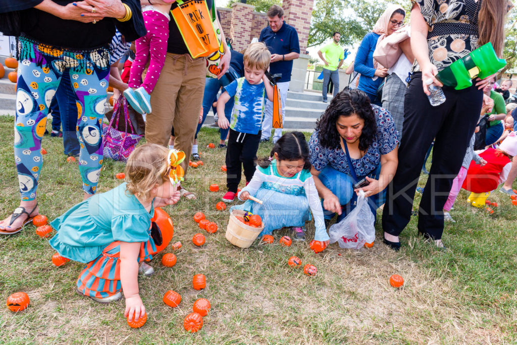 1799-CItyBellaire-PumpkinHunt-2019-048.NEF  Houston Commercial Architectural Photographer Dee Zunker