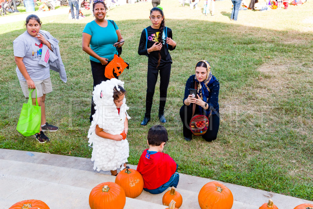 1799-CItyBellaire-PumpkinHunt-2019-074.NEF  Houston Commercial Architectural Photographer Dee Zunker