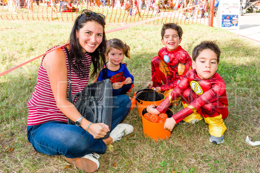 1799-CItyBellaire-PumpkinHunt-2019-078.NEF  Houston Commercial Architectural Photographer Dee Zunker