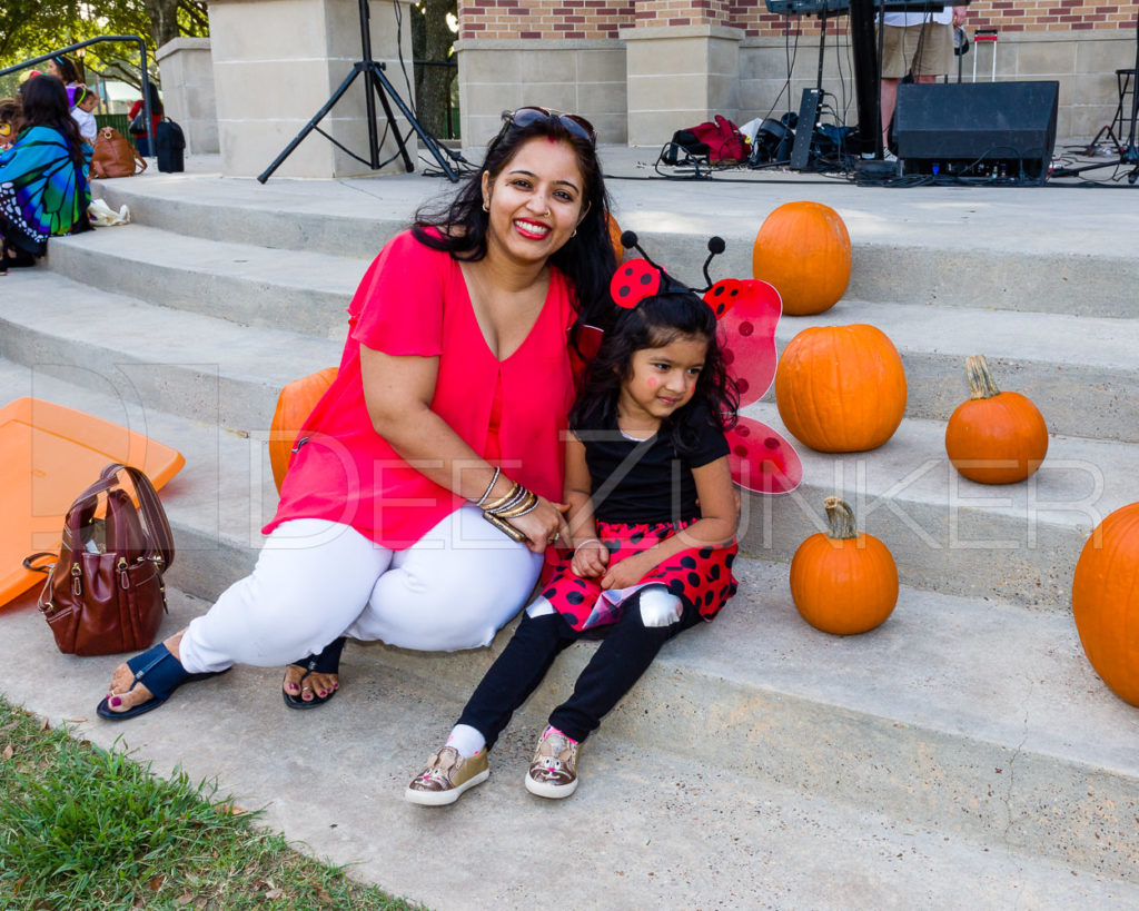 1799-CItyBellaire-PumpkinHunt-2019-084.NEF  Houston Commercial Architectural Photographer Dee Zunker