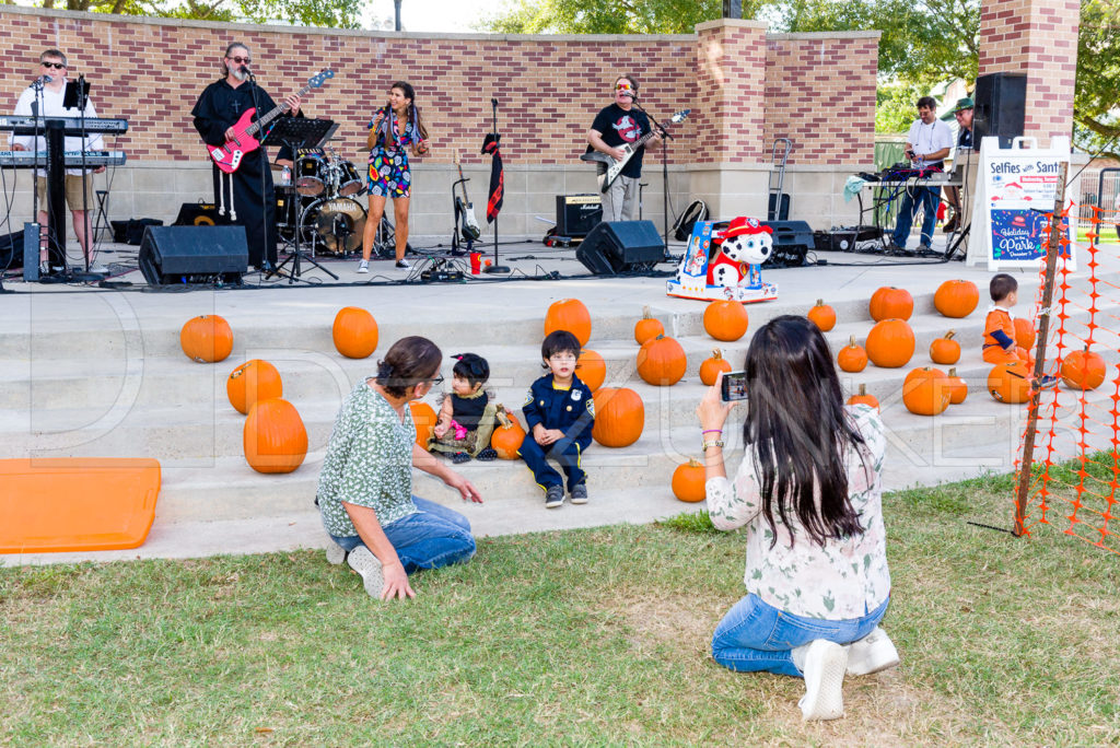 1799-CItyBellaire-PumpkinHunt-2019-088.NEF  Houston Commercial Architectural Photographer Dee Zunker