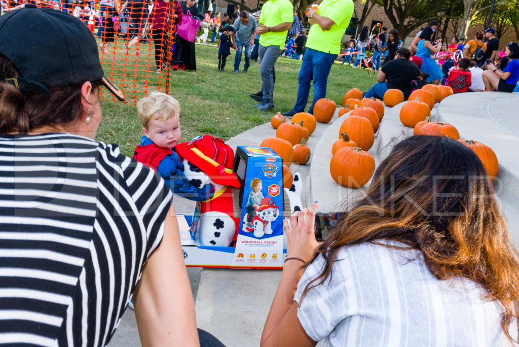 1799-CItyBellaire-PumpkinHunt-2019-106.NEF  Houston Commercial Architectural Photographer Dee Zunker