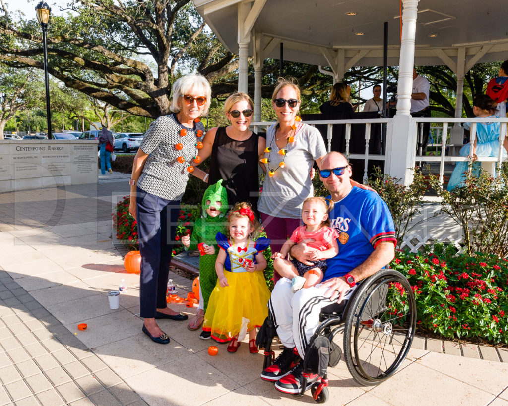 1799-CItyBellaire-PumpkinHunt-2019-122.NEF  Houston Commercial Architectural Photographer Dee Zunker